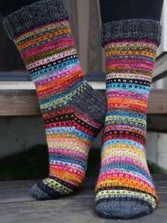 Knitting Patterns Mittens Ravelry: JennyF's Music to my eyes Crochet Socks, Knitting Socks, Hand Knitting, Knit Crochet, Ravelry, Wool Socks, Red Socks, Cute Socks, Fair Isle Knitting