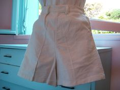 Calendar Girl Vintage 1940s 40s White Cotton Short by dixiefried