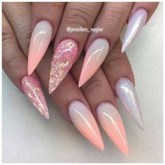 gelnägel formen große form der nägel schönes design ombre effekt glitzern und nägel ongles en gel façonne la forme des ongles beau design ombre effet paillettes et ongles Pointy Nails, Stiletto Nail Art, Stiletto Nail Designs, Coffin Nails, Gel Nails Shape, Unicorn Nails Designs, Sharp Nails, Gel Nagel Design, Beautiful Nail Designs