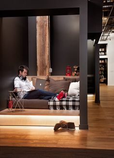 San Francisco-based Studio Hatch has recently designed a new headquarters for GitHub, a popularweb-based hosting service that offers both paid plans for private repositories, and free accounts for open source ... Read More