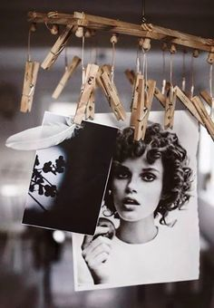 Here is a list of 40 creative DIY photo display projects. Which one inspires you? Diy Photo, Exposition Photo, Photo Deco, Polaroid Photos, Ideias Diy, Home And Deco, Creative Photos, Photo Displays, Display Photos