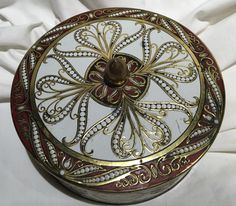 Vintage Daher tin with lid by Granfalloons on Etsy