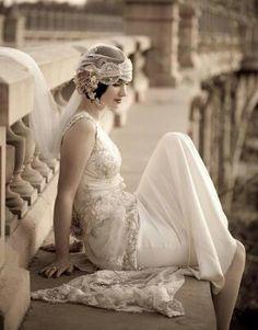 Beautiful 1920s-inspired bride