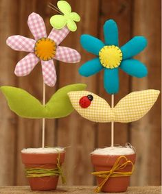 Arreglo floral hecho en tela