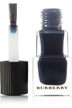 Instructions for use:A high-precision rounded-end brush ensures easy application A two coat layer dries in under two minutes 8ml/ 0.27fl.oz.