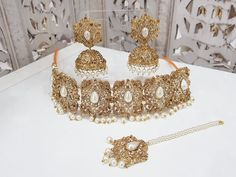 Pearl Stone Maharani Choker Set with Pearls