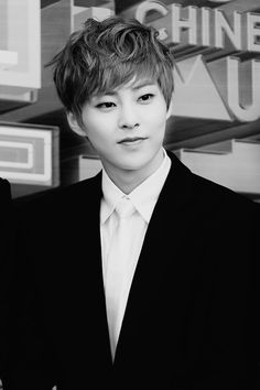 I'm sorry Xiumin... You look like a bunny (L*A*)L Let me carry chu~ ♥