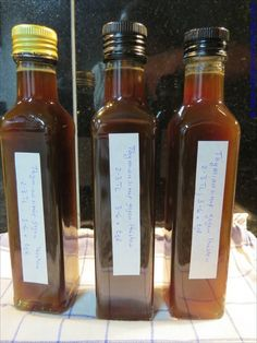 Thyme syrup for cough – We have decided to introduce a new category in our reci… Thymiansirup gegen Husten –. Herbal Tea Benefits, Herbal Essences, Food Club, Kitchen Witch, Medicinal Herbs, Health Desserts, Tea Recipes, Herbal Remedies, Hot Sauce Bottles