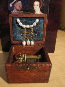Anne Boleyn Music Box. the-tudors