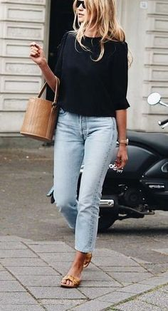 Casual cool-weather street style. #Fashion