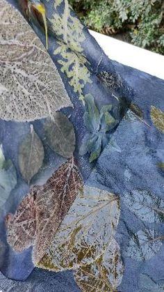 Sun Prints, Nature Prints, Shibori, Natural Dye Fabric, Natural Dyeing, Fabric Painting, Fabric Art, Fabric Dyeing Techniques, Earth Pigments