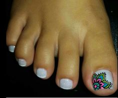 Get the most suitable items throughout your body and your nails will expand for a long time to make your nails perfect. There are essential oils specifically designed to strengthen your nails. Pedicure Designs, Pedicure Nail Art, Nail Art Designs, Gel Nail, Pretty Pedicures, Pretty Nails, Nail Polish Art, Toe Nail Art, Feet Nail Design