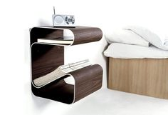 The Amazing Floating Side Table with 10 Super Chic Floating Bedside Table Designs For The Bedroom Rilane is one of pictures of furniture design ideas for y Cool Bedside Tables, Wall Mounted Bedside Table, Narrow Nightstand, Bedside Table Design, Modern Bedside Table, Diy Nightstand, Floating Nightstand, Design Retro, Deco Design