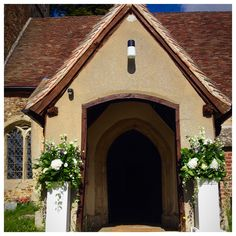 September Wedding Flowers, Seasonal Flowers, Cabin, House Styles, Building, Home Decor, Decoration Home, Room Decor, Cabins