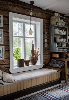 Interior Exterior, Interior Design, Cabin Interiors, Farmhouse Style Kitchen, Scandinavian Home, Design Furniture, House In The Woods, Log Homes, Sweet Home