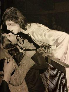 vezzipuss.tumblr.com — David Bowie, Kissing a fan, Circa 73 ➰