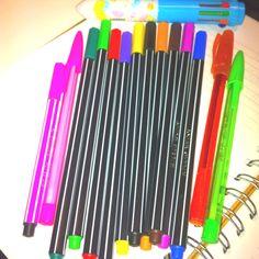 O mundo pode acabar, o importante eh q tenho canetas coloridas