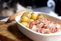 Pollastre amb bacon i patates Cocina Light, Potato Salad, Bacon, Good Food, Chicken, Meat, Cooking, Ethnic Recipes, Kitchen