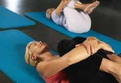 Exercises for a Flat Stomach on Women Over 60   LIVESTRONG.COM