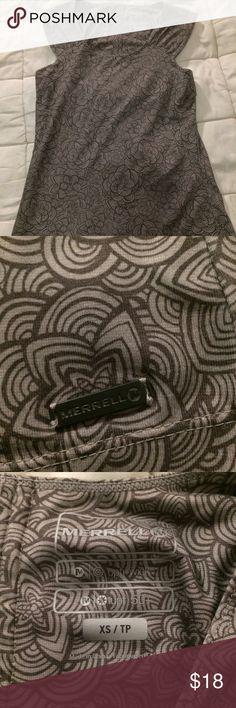e51ff6e811 Merrell sleeveless gray flower women s top shirt