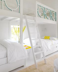 What a fun bunk room via House of Turquoise. Designer is Sally Markham.