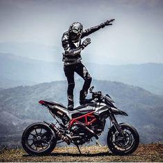 @win_hypermotard ➖➖➖➖➖➖➖➖➖➖➖➖➖➖➖ #2wheelslovers #Motorcycle #instamotogallery #ducati #bikelife #moto #motogp #sportbike #superbike #instamotorcycle #instamoto #pistonaddictz #bikeswithoutlimits #sportsbikelife #r1 #honda #yamaha #kawasaki #suzuki #mvagusta #cbr600rr #r6 #s1000rr #bikenight #yzf #yamahar1 #rideout #motogp2016 #bikerchick  #harleydavidson