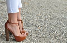 I love these heels and the look of the white capris