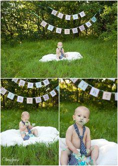 1 year old boy smash the cake