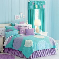 Looking for purple bedroom ideas? It's good, but a purple bedroom will be better when combined with other colors: white, blue and so on, as described here. Bedroom Turquoise, Purple Bedrooms, Blue Bedroom, Trendy Bedroom, Bedroom Decor, Bedroom Ideas, Bedroom Girls, Bedroom Furniture, Bedroom Beach