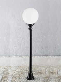 EXT6593 Rotondo Italian medium post, black aluminium Italian die-cast aluminium matt black exterior fitting with opal polycarbonate spheres. Height- 1090mm Diameter- 250mm BRAND- Franklite REFERENCE- EXT6593 DISPATCH- 1-2 Days (subject to availiability)