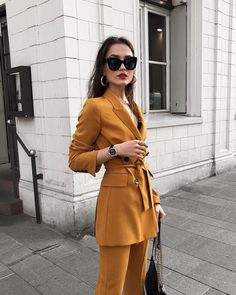 6 265 curtidas 159 comentrios sindiarifi no the best luxury touch with the new manero peripheral having the best time as a 2019 27 jump Blazer Fashion, 80s Fashion, Work Fashion, Indian Fashion, Korean Fashion, Fashion Outfits, Fashion Hacks, Color Fashion, French Fashion