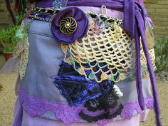 Correa de la falda de danza del vientre tribal. Mujeres pixie fae vintage y reciclado cadera envoltura crema morado lila. Regalo de ropa festival repurposed eco de peacockandrose en Etsy https://www.etsy.com/es/listing/199541820/correa-de-la-falda-de-danza-del-vientre