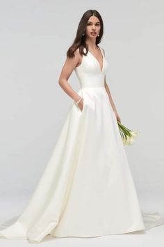 White bride dresses. All brides dream of having the most appropriate wedding day, however for this they need the ideal bridal gown, with the bridesmaid's outfits actually complimenting the brides-to-be dress. The following are a few tips on wedding dresses.