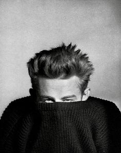 summers-in-hollywood: James Dean, Photograph. - Summers in Hollywood Hollywood Stars, Classic Hollywood, Neil Leifer, James Dean Photos, James Dean Style, Jimmy Dean, East Of Eden, Iconic Photos, Movie Stars