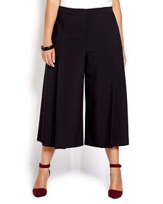 Flowing culotte pant by Michel Studio offers a modern silhouette for the work day with wide leg, cropped length and flattering fit. Plus size, hook and bar closure, knife pleat front. Back welt pocket. 24 inch inseam. Fashionable Plus Size Clothing, Plus Size Fashion, Plus Size Culottes, Shorts E Blusas, Culottes Outfit, Look Plus Size, Addition Elle, Funny Fashion, Warm Weather Outfits