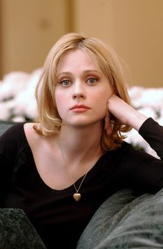 zooey deschanel as a blonde Zoey Deschanel Blonde, Zooey Deschanel Style, Emily Deschanel, 2000s Fashion Trends, Women's Fashion, Jessica Day, Celebs, Celebrities, Girl Crushes