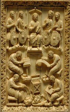 El libro de los Salmos,es un libro de poesia religiosa hebrea que forma parte de Tanaj judio y del Antiguo Tes  tamento cristiano,cuyo texto original estaba en hebreo.  Marfil,siglo X  Museo del Louvre