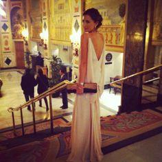 Monica de Tomas ayer en los #premiosGQ vestida de @_JorgeAcuna con joyas de @Aristocrazy ESPECTACULAR ♥