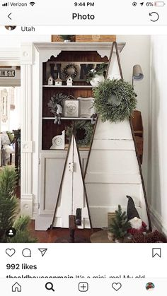 Awesome 39 Superb Primitive Country Christmas Trees Ideas To Copy Right Now. Primitive Country Christmas, Country Christmas Trees, Wood Christmas Tree, Outdoor Christmas, Rustic Christmas, Xmas Tree, Christmas Holidays, Hanging Christmas Lights, Christmas Decorations