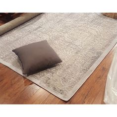 Top Product Reviews for Nourison Graphic Illusions Grey Antique Damask Pattern Rug (7'9 x 10'10) - 7108684 - Overstock.com