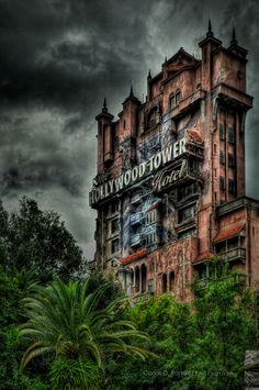 Orlando - Disney - Hollywood Tower Hotel by Carlos D. Ramirez, via 500px