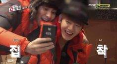 EXO become their own fan girls on episode five of 'EXO's Showtime' | http://www.allkpop.com/article/2013/12/exo-become-their-own-fan-girls-on-episode-five-of-exos-showtime