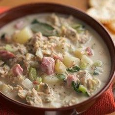 Slow Cooker Low Carb Clam Chowder- And a bunch of other low carb slow cooker soups from diabetic living mag by loretta Slow Cooker Clam Chowder, Clam Chowder Recipes, Slow Cooker Soup, Seafood Recipes, Slow Cooker Recipes, Crockpot Recipes, Soup Recipes, Cooking Recipes, Clam Recipes
