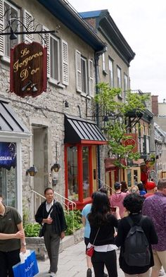 Québec City is so charming, wandering its cobblestone streets lined with centuries-old buildings, visiting antique shops, churches, and the majestic St Lawrence River, make it an amazing destination for a romantic getaway.