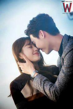 Han Hyo Joo & Lee Jong Suk W drama  still cut