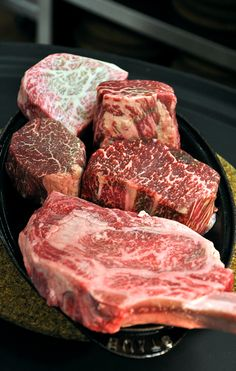 At Jean Georges Steakhouse, only the highest-quality meats and seafood from around the world are cooked to perfection with flavor-releasing techniques, including 5-A rated authentic Kobe Beef.