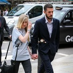 Parents of terminally ill baby arrive at High Court in London