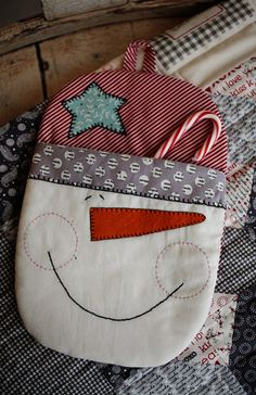 Download pattern to create the 8 x 11.5 hot mitt. The fabric kit is sold separately.