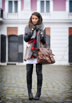 Living in a shoe by Laura Charaba Gloves Fashion, Fashion Boots, Beautiful Legs, Thigh High Boots, Plaid Scarf, Spring Outfits, Heeled Boots, Looks Great, Zara