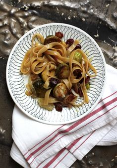 Fettuccine with Brussels Sprouts, Cranberries, and Caramelized Onion //  omg YES FINALLY A COMPLEXLY-FLAVORED *SWEET* NON-CREAM NON-TOMATO PASTA